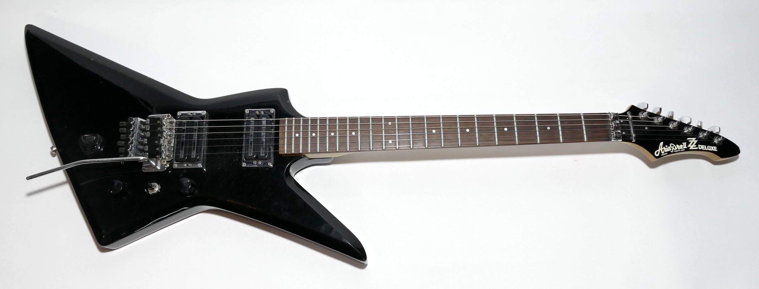 E-Gitarre ARIA Pro2 ZZ DeLuxe
