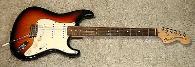 E-Gitarre FENDER Stratocaster AM Custom