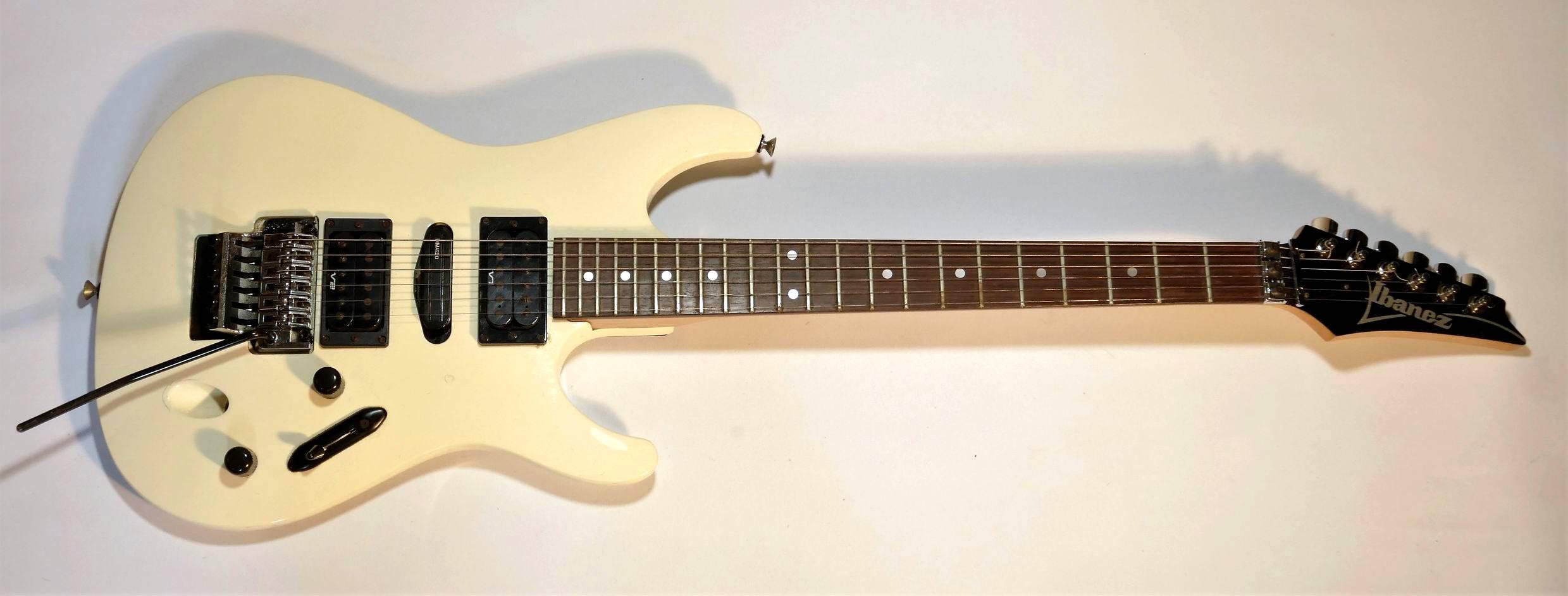 E-Gitarre IBANEZ Roadstar Pro 450S