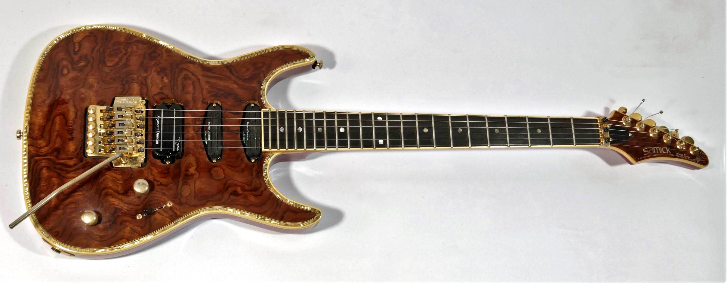 E-Gitarre SAMICK Artist