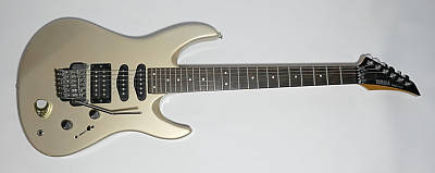 gebrauchte E-Gitarre YAMAHA RGX 312